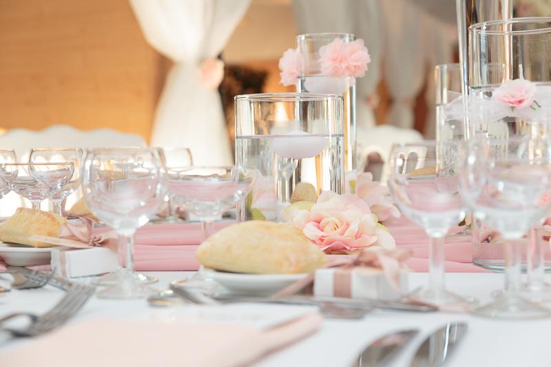 décoration de table tons roses pastels