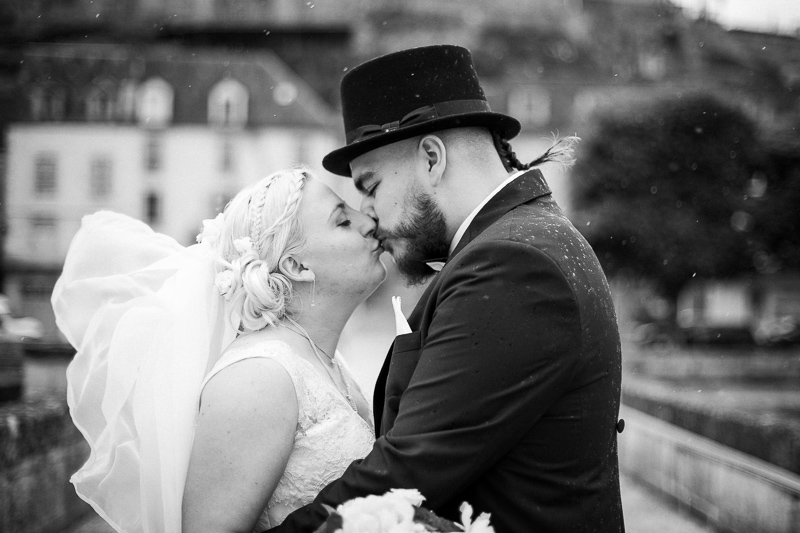 couple de jeunes mariés à Terrasson